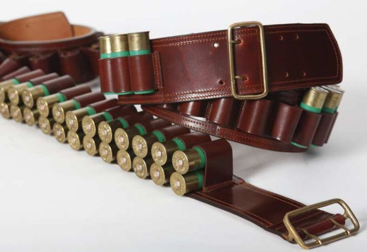 Canana cuero doble cartucho. Código: 11906. Cartridge Belts || Leather Ref. 11906.  Guarnicionería López, Sevilla.