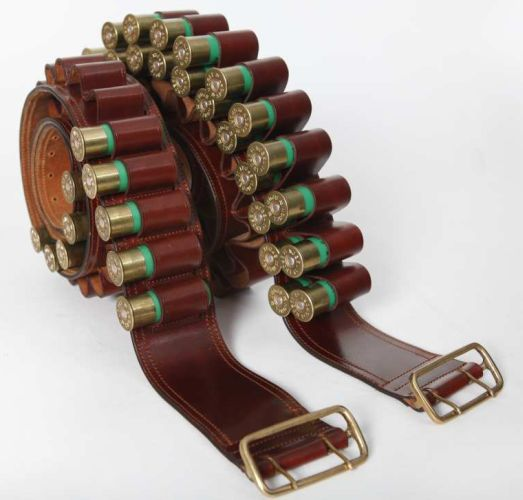 Canana cuero doble cartucho. Código: 11906.  Cartridge Belts || Leather Ref: 11906.  Guarnicionería López, Sevilla.